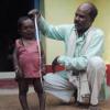 世界仰天ニュース!インドのバソーリ・ラルは身長73センチのおじちゃん!病気の原因や画像は?
